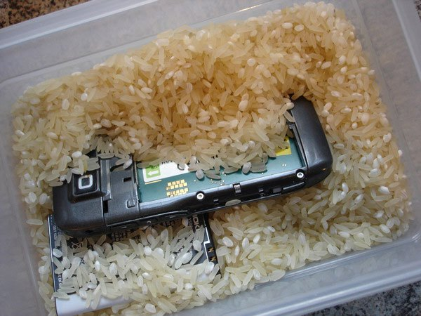 dry-out-electronics-rice