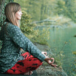 How to Practice Mindfulness at Work (Guide to Better Focus)   How To   Latest Technology News